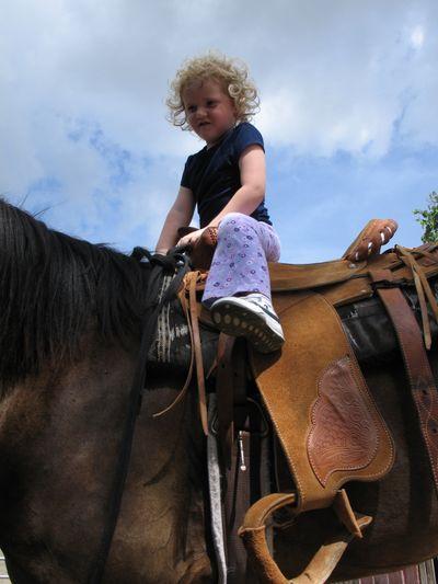 Horseback Riding 709 040